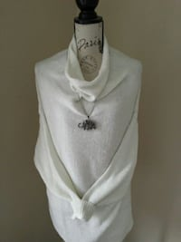 Creme sweater...Size L. With necklace.  Toronto, M6L 2R7