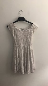 Papaya women's white floral scoop-neck dress - Size M Annandale, 22003