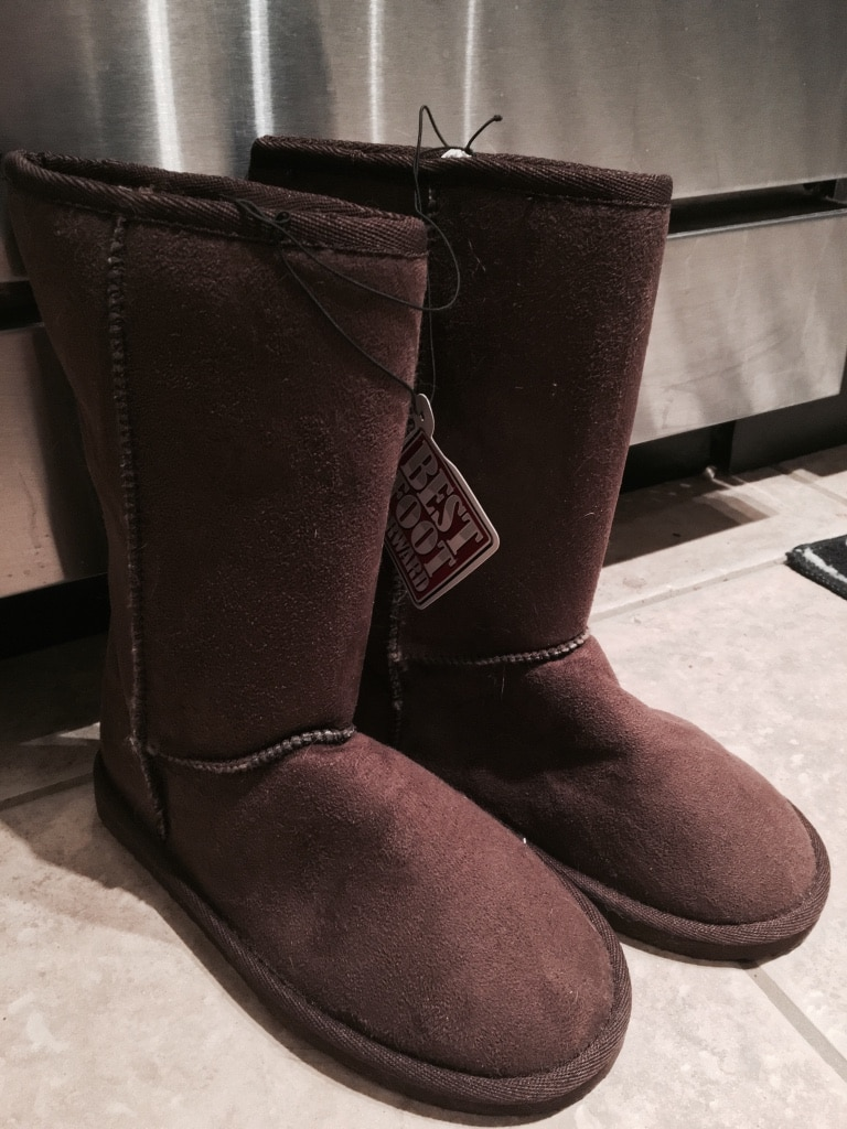 Brown fur-lined boots (Size 7)