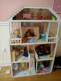 white and brown wooden doll house Spring Hill, 34609