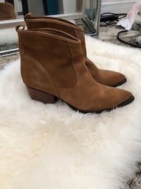 Chinese laundry suede upper size 8.5 cowboy style bootie Toronto, M5A 1Z4