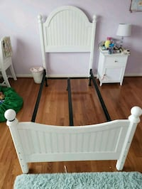 baby's white wooden crib Laurel, 20723