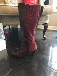 Boots size 8.    Excellent condition  Milton, L9E