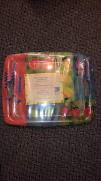 Summer trays (set of 2) still in plastic Brossard, J4X 2H3