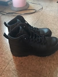 Men's Nike boots  New York, 10304
