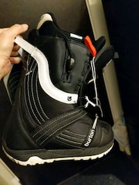 Almost new Burton snowboard boots. $75 Richmond
