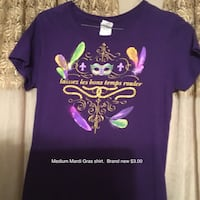 Size medium Mardi Gras shirt $3.00