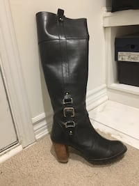 Pair of black leather knee-high boots Aurora, L4G