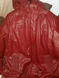 red leather zip-up jacket Niagara Falls, L2G 5Z6