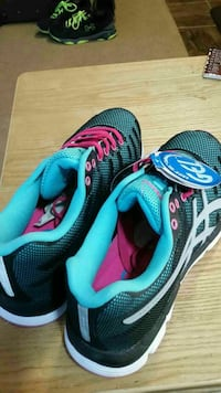 lowered price!!! Asics shoes womens 8