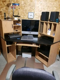 computer desk (pick up only) St. Thomas
