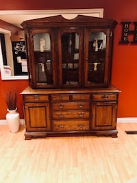 Beautiful Mahogany Country 2PC China Cabinet.  Lucan Biddulph, N0M