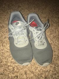 Nike shoes not worn very much size 10.5.    25 dollars Ada, 74820