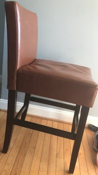 6 leather stools and 60x60 pub height dining table Doylestown, 18902