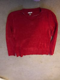 red scoop-neck long-sleeved shirt Fairlawn, 24141