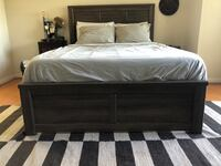 Queen size bed frame Los Angeles, 91607