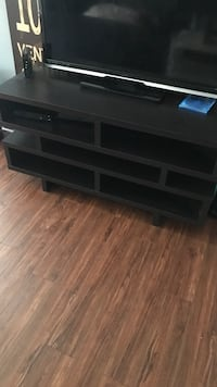 Tv stand 43 inches  Los Angeles, 91607