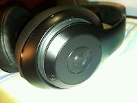 black and gray Beats by Dr Carson, 90745