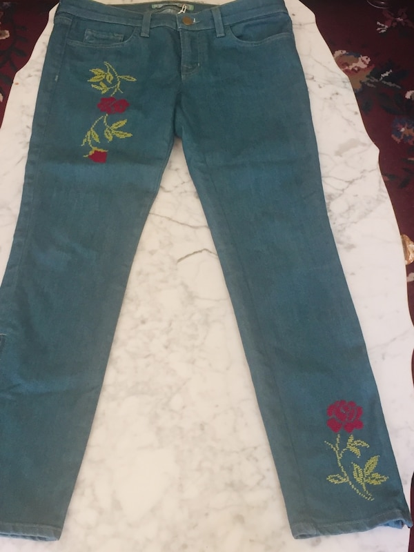 Embroidery jeans size 28