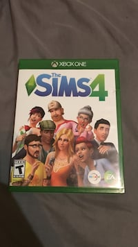 Sims 4 Xbox one perfect condition  Saint George, 84770