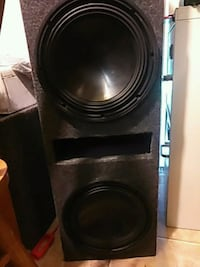 2 10 inch alpine 3000 watt 1500 rms in portted box Pontiac, 48342