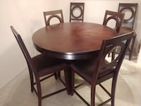 Round dining table with 6 chairs, wood Burnaby, V3J 7B7