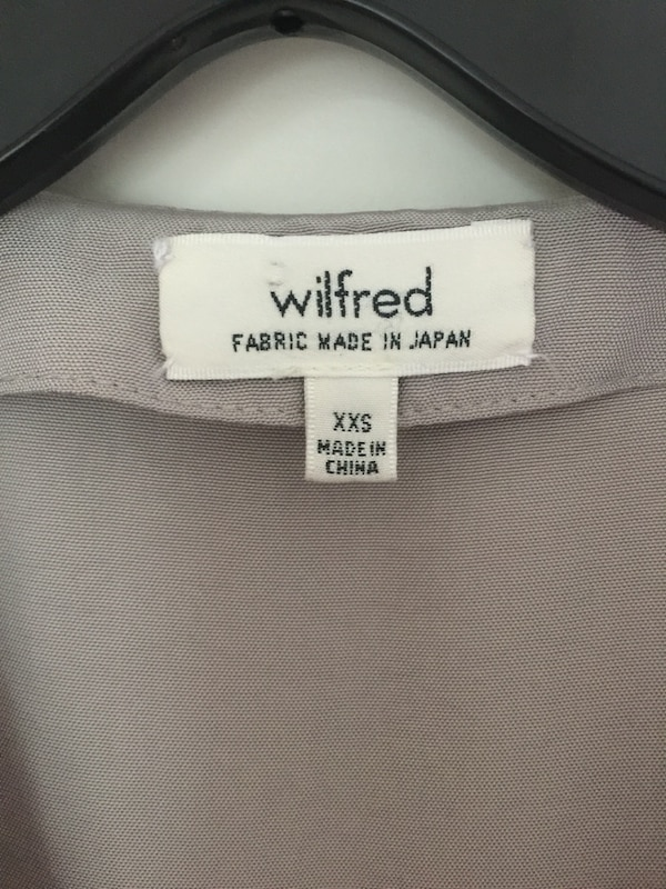 Used Aritzia Wilfred Nobel Blouse for sale in Burnaby - letgo 917bfc4680b84