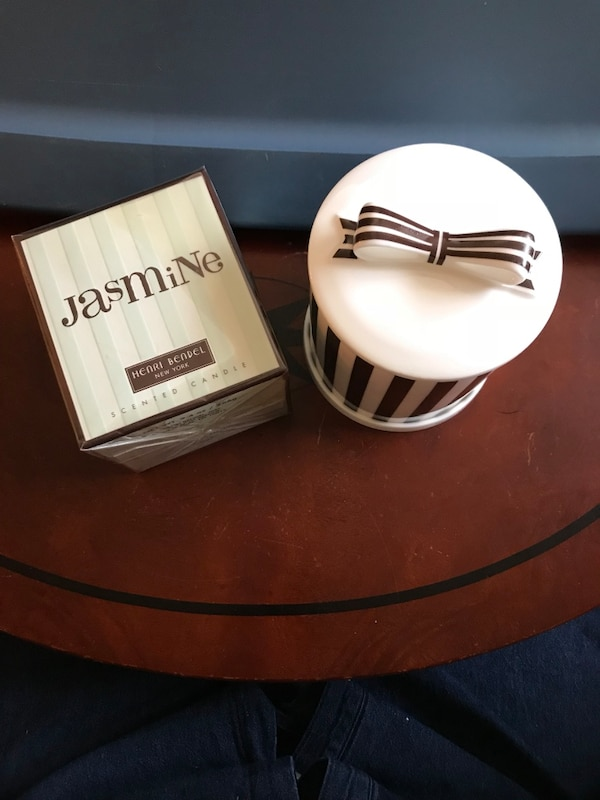 Brand name, « Henry Bendel » New York, porcelaine candle holder.