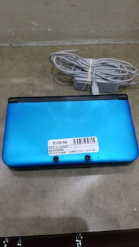 3DS XL with Charger Ajax, L1S 3V4