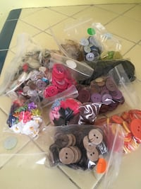 Bag of buttons 2269 mi