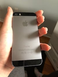 iPhone 5S 64gb great condition factory unlocked Brampton, L6S 0C5