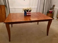 Dining table, buffet and two leafs  Frederick, 21704