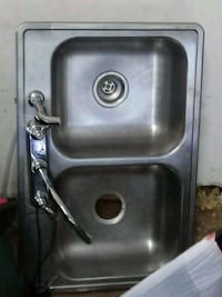 stainless steel sink with faucet San Antonio, 78223