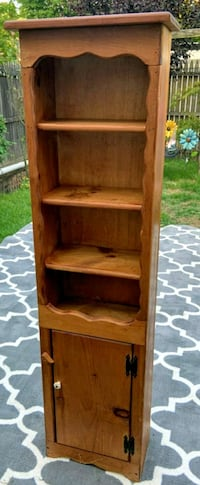 Vintage Brown Wooden 5 layer shelf Washington, 20007