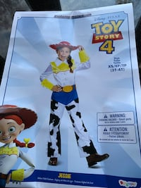 Toy Story Jesse outfit for Halloween or dress ups. Only worn once.