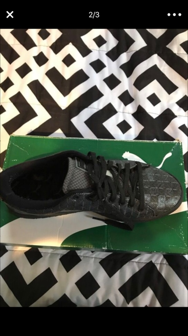 2c5860324dff Used unpaired black Puma low tops screenshot for sale in North Miami - letgo