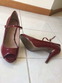 Burgundy red patent leather peep toe heels Shelby Township, 48315
