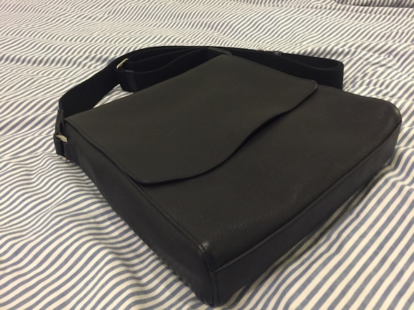 947015bb0bf Used Mulberry Maxwell Slim Messenger bag for sale in Agoura Hills ...