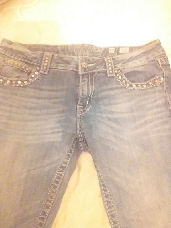 9b8d120b3a0 Used Miss Me size 32 (mens measurment) for sale in Taft - letgo