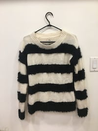 Black & White knit sweater: Size small Toronto, M1S 5B3