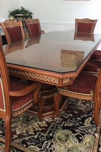 Dining table with 8 chairs Falls Church, 22042