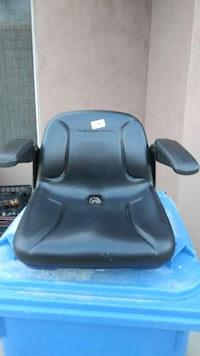 Mart Cart seat with armrest