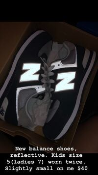 Navy blue New balance ladies size 7 Bakersfield, 93312