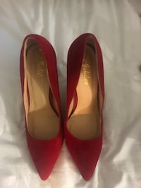 Red shoes 211 mi