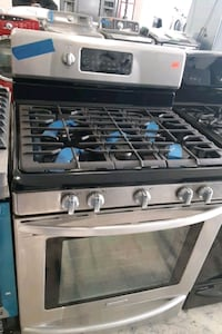 Kitchenaid gas stove perfectly conditions  Bowie, 20715
