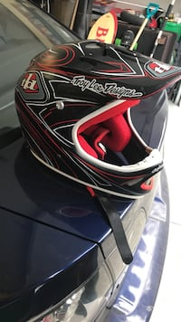 black and red Troy Lee Designs full-face helmet Lake Country, V4V 2P1