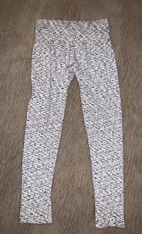 Sz Small thicker fabric leggings perfect 4 winter!! Edmonton, T6W 0S2