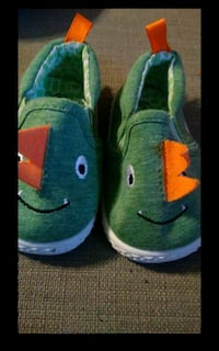 pair of green-and-blue shoes Fenton, 63026
