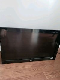 """32"""" Sony Bravia LCD TV. In perfect condition. Toronto, M9C 0A5"""