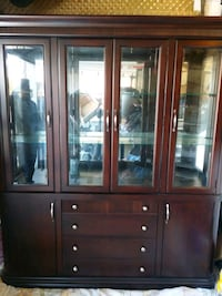 Solid Wood Dining/Curio Cabinet  Vaughan, L6A 3E4